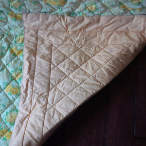 Beautiful Quilted Bedspread / Quilt Kitchener / Waterloo Kitchener Area image 4