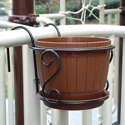 Iron Flower Pot (Iron Flower Pot Hanging Balcony Garden Plant Planter Home Decor Basket Holder )