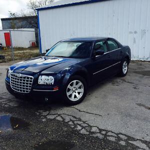 2006 Chrysler 300-Series MUST SELL! LOW KMS!!