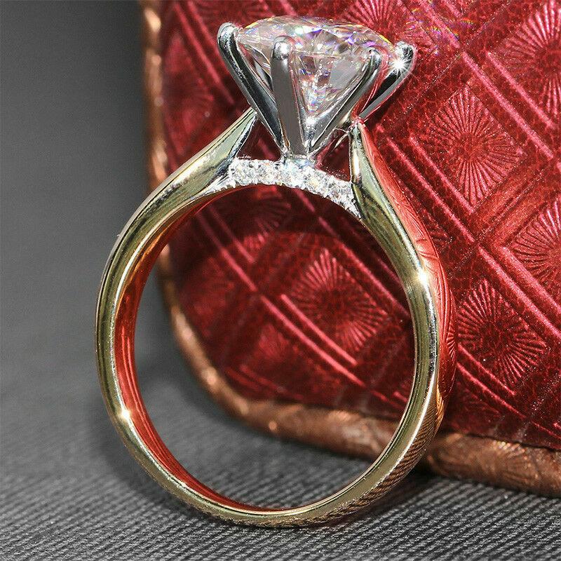 2.50 CT Round-Cut Moissanite Diamond Solitaire Engagement Ri
