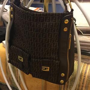 Genuine Danier Leather Handbage Oakville / Halton Region Toronto (GTA) image 10