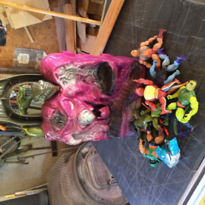 He-Man Snake Mountain and Action Figures 80s toys