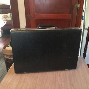 "PRICE REDUCED! Vintage ""Mad Man"" briefcase for sale Regina Regina Area image 3"