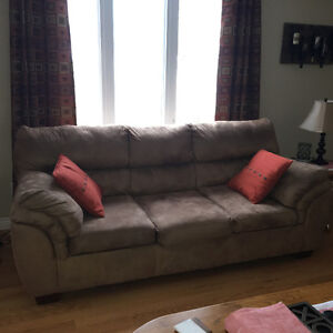 Couch and Loveseat (Microfibre)