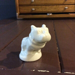 mack bulldog figurine porcelain hood ornament