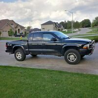 FOR SALE 2004 DODGE DAKOTA 4X4