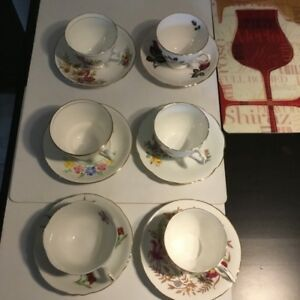 Fine China Teacups & Saucers (6) Made in England 1940's Queen An