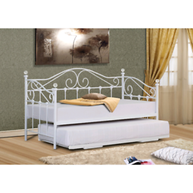Vienna Day Bed, Trundle and Mattresses