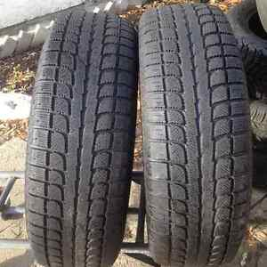 Set of 2 SONY winter tires 235/70/16 West Island Greater Montréal image 2