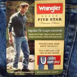 Brand New Men's Wrangler Jeans Tags Attached