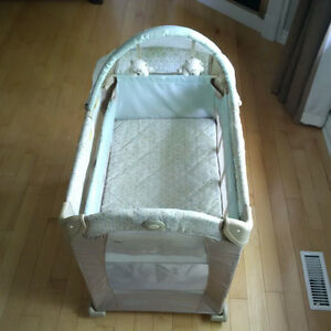 Graco Travel Lite Playard with Stages