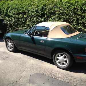 1991 Mazda MX-5 Miata British green Cabriolet