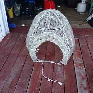 Lighted igloo