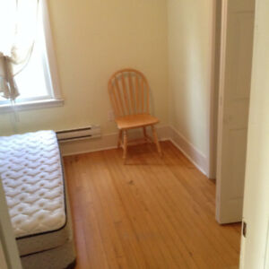 ROOM TO RENT ON QUINPOOL ROAD, FOR FEMALE TENANT