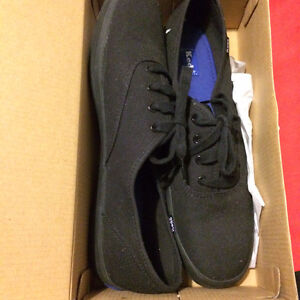 [NEW] Keds women's sneaker, size 9, colour Black, Teenager