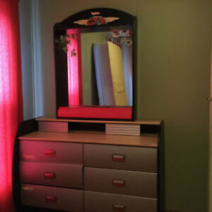Hot wheels dresser with mirror