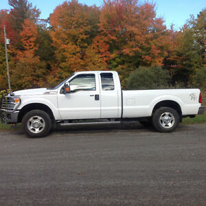 2011 Ford F-250 Super Duty XLT King cab boite de 8'