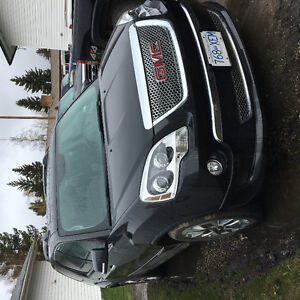2011 Denali GMC Acadia  LOW MILEAGE 39,615 km