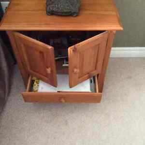 Chairside Table London Ontario image 2