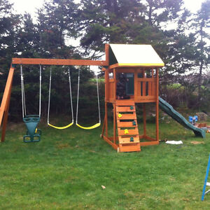 2 year old wooden swing set