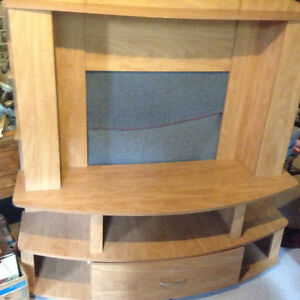 Entertainment unit for sale Cornwall Ontario image 1