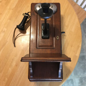Northern Electric antique wall mount crank telephone