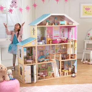 DOLLHOUSES FOR BARBIES