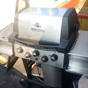 NEVER USED Broil King - natural gas Signet 90 (5 dial)