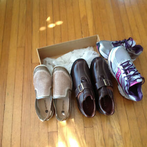 3 pairs ladies shoes like new
