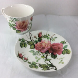 1992 Roy Kirkham English Rose Design Oversized Cup and Saucer