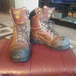 dakota mammoth II steel toed boots csa approved