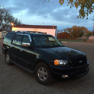 2005 Ford Expedition SUV, Crossover
