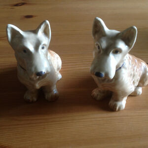 VINTAGE SylvaC SCOTTIE DOGS Model 1205
