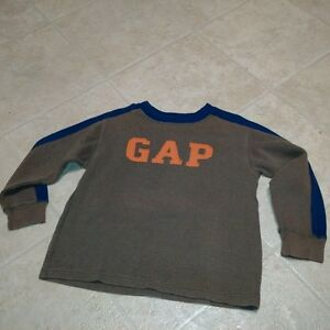 Boys Size 6/7 Long Sleeve waffle style GAP Shirt