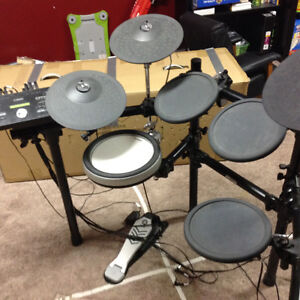 yamaha buy or sell drums percussion in alberta kijiji classifieds. Black Bedroom Furniture Sets. Home Design Ideas