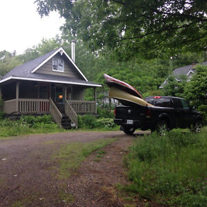 Furnished one bedroom house on edge of Gatineau Park