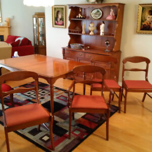Gibbard Dining Set Pick Up In Cornwall