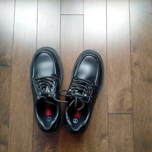 Youth Hunt Club Dress Shoes - size 7 - worn only once