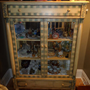 Curio cabinet with bottom & top drawers, w shelving & glass door