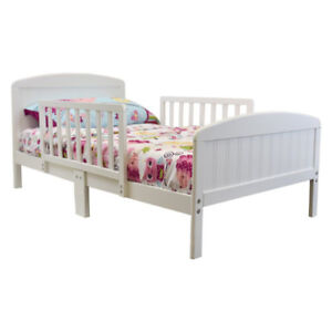 Rack Furniture Harrisburg Toddler Bed – Warm White, New
