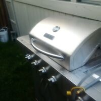 """""""WOW GREAT DEAL ... NATURAL GAS BARBECUE... MASTER FORGE"""