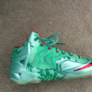 Selling or trading lebron 11 Christmas and jcrossover 3