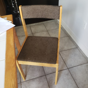 4 dining table chairs in good condition
