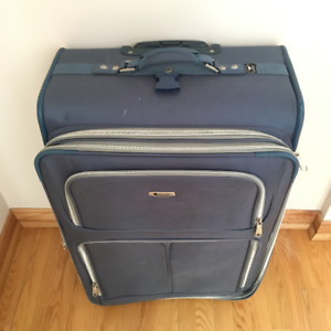 "~ Delsey Destiny Luggage 29"" Expandable Vertical Pullman ~"