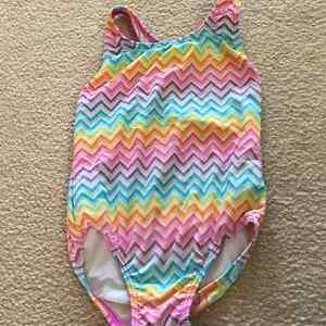 Speedo girl swim suit size 6 Cambridge Kitchener Area image 1