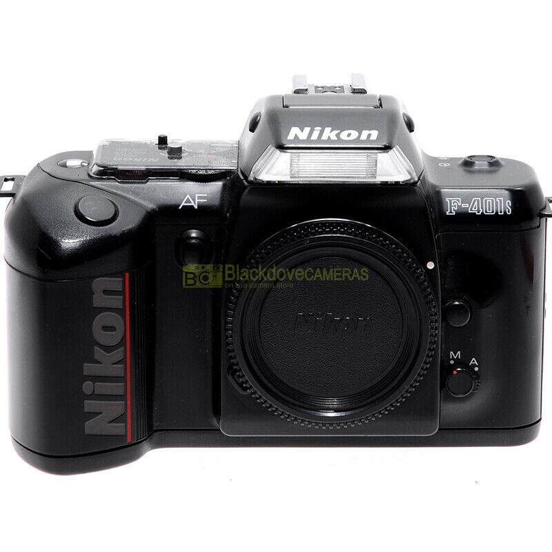 Nikon F-401s fotocamera reflex a pellicola. Macchina fotografica analogica F401s