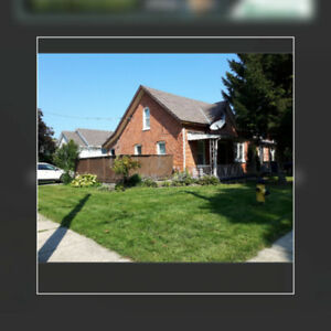 57 SELKIRK DUPLEX available for October 1st