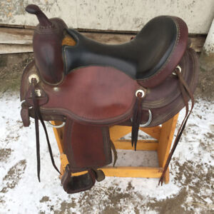 Reinsman Saddle Like NEW!!!!!