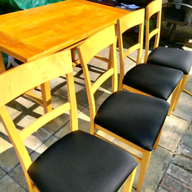 4chairs and extendable dining table