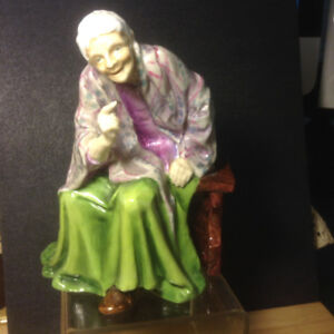1940 Royal Worcester Porcelain Figurine Mother Machree Doughty c
